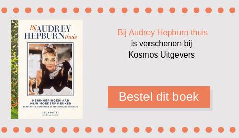 Zeebaars en papillote is een recept uit het kook- en kijkboek Bij Audrey Hepburn thuis. De recepten zijn verzameld door haar zoon. Het boek is uitgegeven bij Kosmos Uitgevers.
